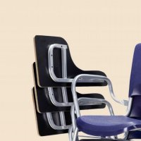 صندلی دانشجویی داخل هم رو